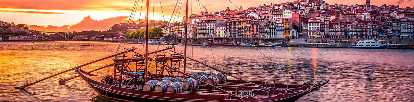 view of Portuguese houses header of Congratulations in Portuguese page